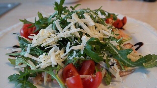4 Spicy Salad Greens