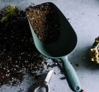 How to make your own potting soil mix