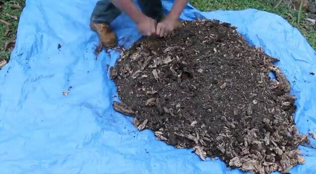 How to make your own potting soil mix for free